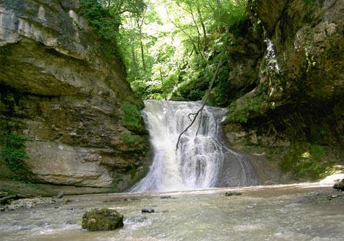 Водопад реки  Руфабго